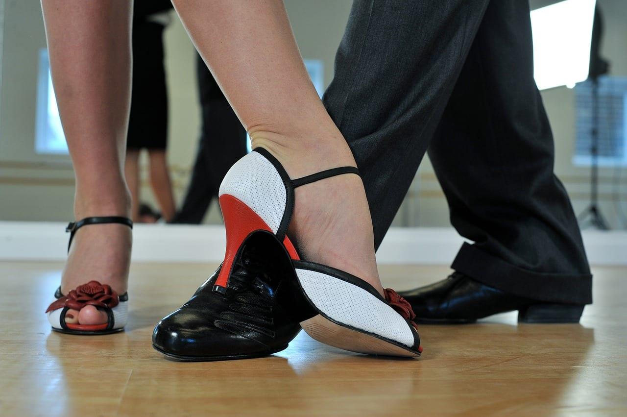 El tango es una de las costumbres argentinas
