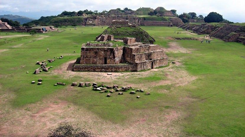 Lugar de culto zapoteco en el Monte Alban