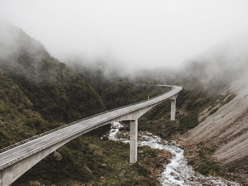 niebla en carretera y precaucioens para el conductor